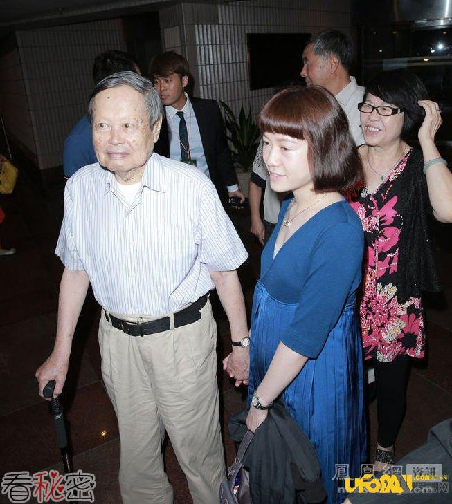 82岁老人娶28岁娇妻:翁帆为什么嫁给杨振宁真相令人吃惊