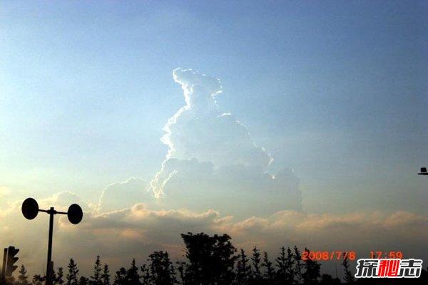 玉皇大帝真的存在吗?网友意外拍到天空惊现玉皇大帝