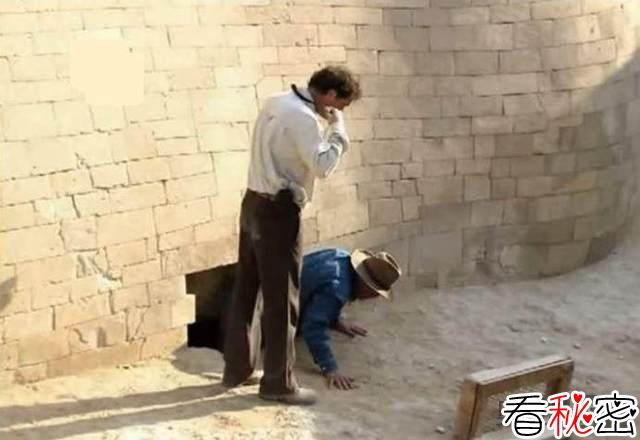狮身人面像下隐藏密室的证据?考古学家在脚部发现神秘洞口