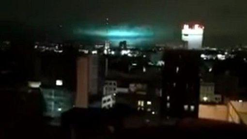 就是那道光!墨西哥8.4强震后 夜空出现神秘「地震光」