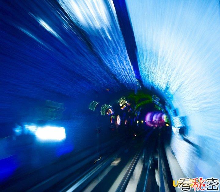 科学家解释时空穿梭机工作的5大原理