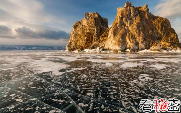 盘点全球十大最美湖泊 去过一个都不遗憾了!(附图片)