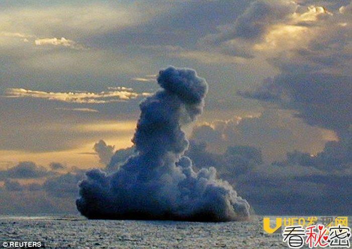 """为探索神秘""""鲨鱼火山""""(Sharkcano)的极端环境 科学家出动了机器人"""