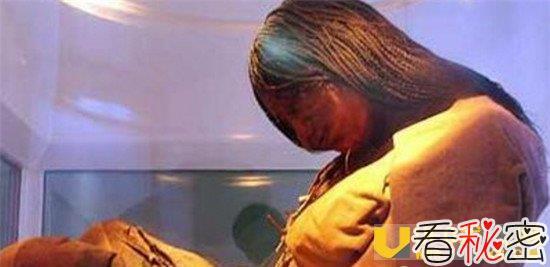 河南古墓挖出活女人 千年女尸凌惠平张口说话太离奇