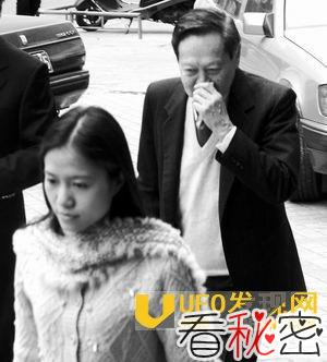 杨振宁对中国有贡献吗:中国为什么要养杨振宁